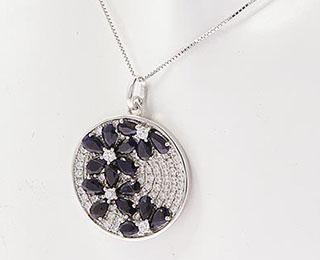 Mineral jewellery