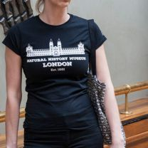 Black fitted Natural History Museum building souvenir t-shirt
